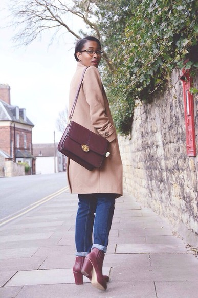 bag work cute shoes high heels maroon briefcase bag briefcase nude urban outfitters american apparel aa forever 21 garage brand uniqlo coat