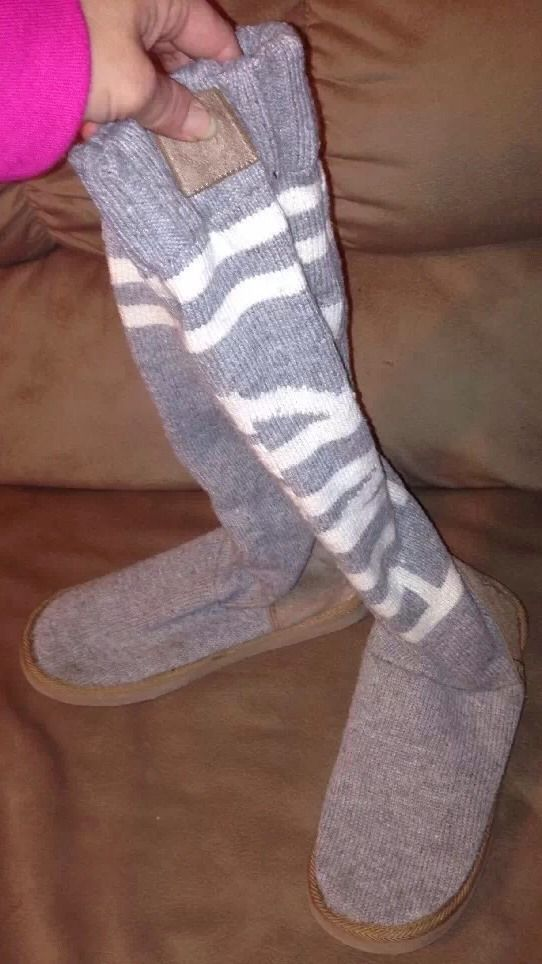 Victorias Secret Pink Mukluksknit Slipper Boots Sz L 910 Grey