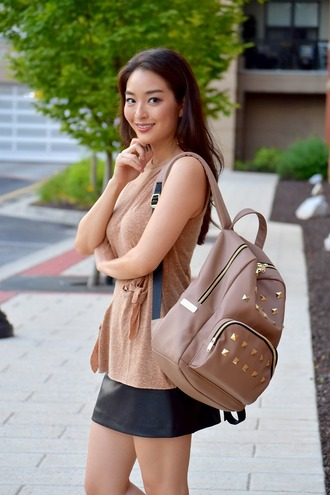 sensible stylista blogger bag shoes beige backpack nude top beige top leather skirt mini skirt