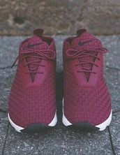shoes,nike shoes,nike,sneakers,tennis shoes,weaved,weave,burgundy