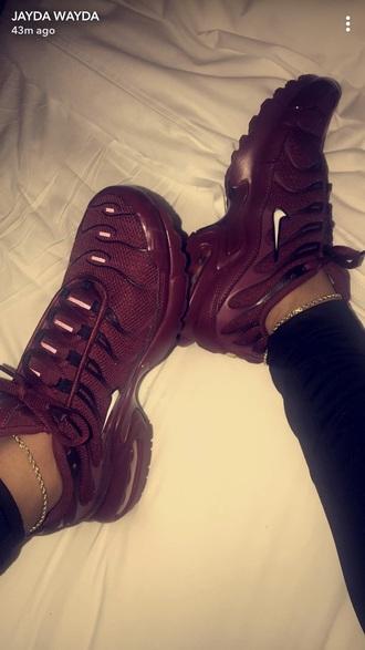 shoes black nike burgundy