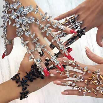 jewels crystal gloves bracelets bracelet chains ring knuckle ring accessories accessory hand jewelry jewelry formal dressy summer prom fashion girl girly silver jewelry diamonds
