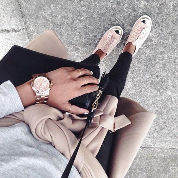 pink sneakers pink shoes black jeans skinny jeans watch jewels black bag grey sweater nude coat nude sneakers