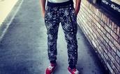 pants,bandana print,baggy pants,joggers pants,bandana print joggers,bandana