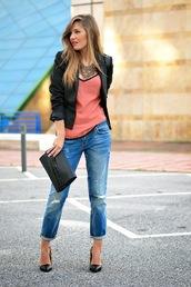 mi aventura con la moda,blogger,top,jewels,coral,blazer,ripped jeans,pouch