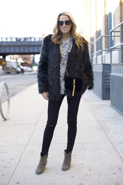 mind body swag blogger sweater sunglasses faux fur jacket skinny jeans black jeans jeans coat shoes bag jewels make-up