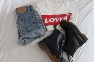 t-shirt shorts jeans levi's shorts levi's drmartens boots shoes shirt