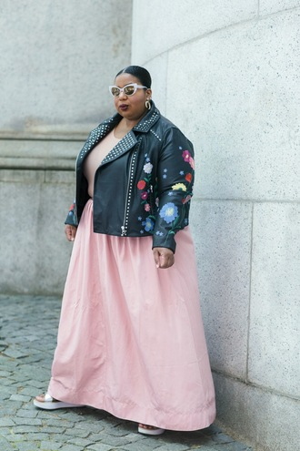 andigetdressed blogger jacket dress skirt jewels curvy black leather jacket maxi skirt pink skirt biker jacket