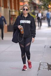leggings,sweatshirt,sneakers,streetstyle,ashley benson