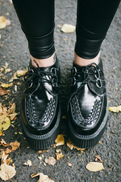 shoes,black,black shoes,creepers,black creepers