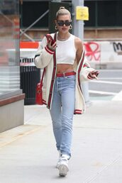 cardigan,top,crop tops,hailey baldwin,jeans,denim,streetstyle,model off-duty,spring outfits