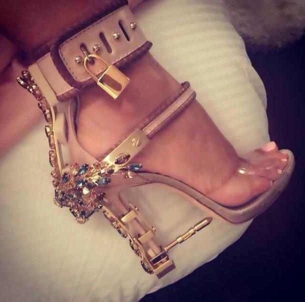 shoes bullet crystal beige shoes gold shoes heels sandal heels gold heel high heels pretty heels sexy shoes gorgeous high heel sandals nude sandals nude heels