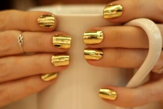jewels nail nails nail polish glitter chritmas girl girly cute lovely shiny gold metallic nails