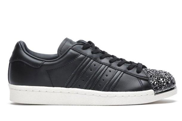 Adidas sneakers. sneakers black shoes