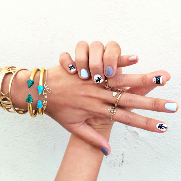 song of style jewels bracelets ring nail art nails girl gold coachella gold jewelry gold ring gold bracelet green bracelets jewelry nail polish nail art summer beauty palm tree california girl beauty