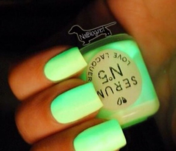 neon nail polish green nails