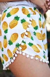 shorts,pineapple,cute,pom pom,pineapple shorts,pom pom shorts,clothes,hipster,fashionista,pants,yellow,green,tassel,pom pom pineapple shorts,pineapple pattern,summer,pinapple,pineapple print,pretty,cute shorts,white,beach shorts,beach,tan,sun,sand,surf,fruits,pineapples shorts,shoes,bobbles,pom poms,pattern,flowy shorts,pinapples,booty shorts,short shorts,pinapple shorts,High waisted shorts,printed shorts,summer shorts,jacket,fringes,fringe shorts,orange pineaple short