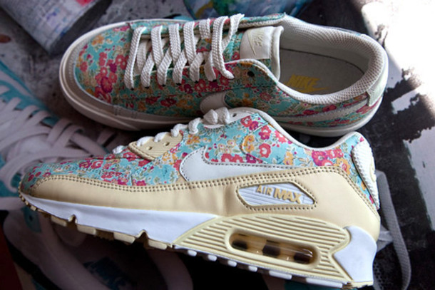 air maxs for girls