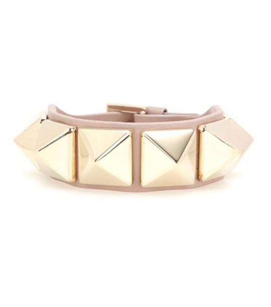 Valentino Rockstud leather bracelet in beige / beige