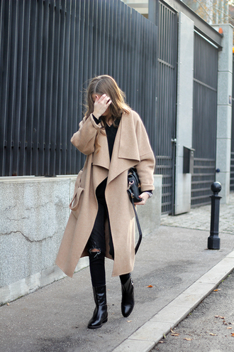 fashion and style blogger camel coat winter coat ripped jeans black jeans