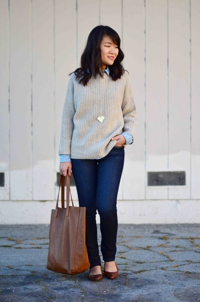 daily disguise blogger tote bag knitted sweater sweater shirt jeans bag