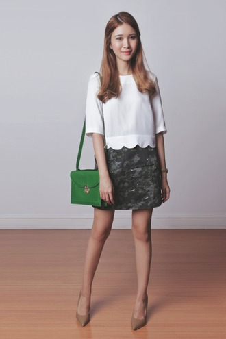 tricia gosingtian blogger camouflage white top shoulder bag green