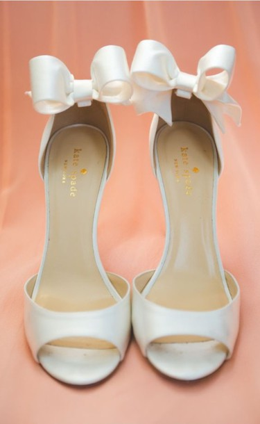 shoes white heel bow heels