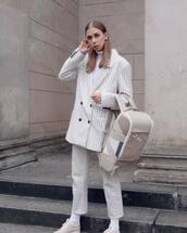 bag,backpack,maxi bag,sneakers,pants,blazer,stripes,oversized,turtleneck