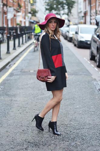 blogger camila carril bag shift dress colorblock floppy hat ankle boots
