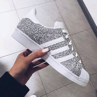 shoes white fashion grey adidas adidas shoes adidas superstars nice glitter shoes glitter silver gold gold sequins adidas originals sparkle