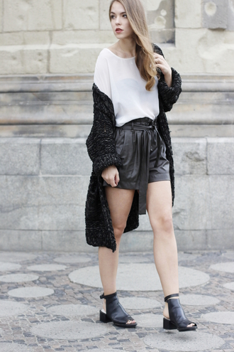 gold schnee blogger peep toe shoes leather shorts black shorts black cardigan fluffy oversized t-shirt white t-shirt