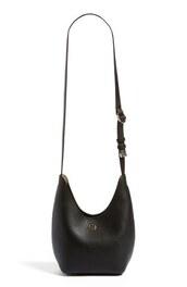 bag,tory burch,black bag,shoulder bag,leather bag,black