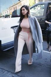 top,coat,kim kardashian,nude,grey,fall outfits
