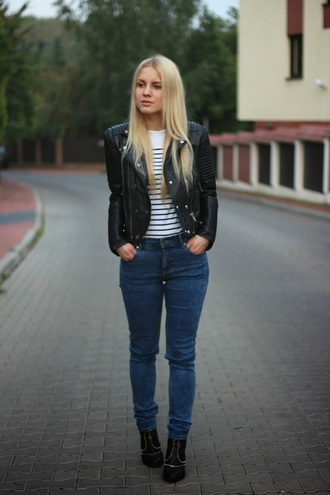 je suis monika blogger jeans perfecto casual