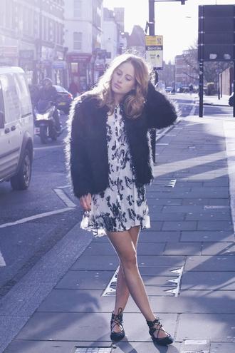 at fashion forte blogger fluffy black jacket flats floral dress
