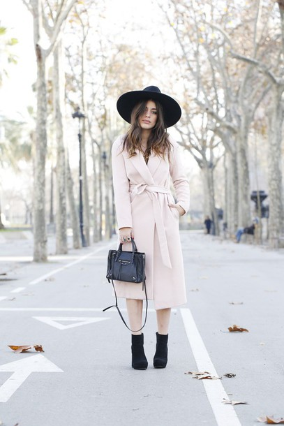 dulceida blogger coat hat long coat winter outfits white long coat