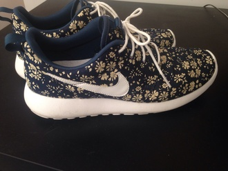 shoes roshe run liberty print nike nike roshe run liberty air max