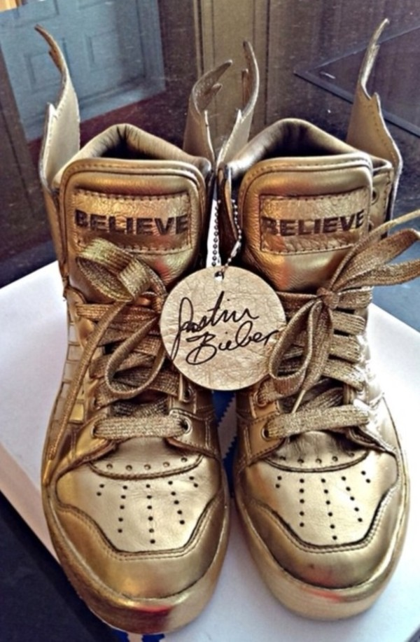 shoes justin bieber gold wings adidas wings bag