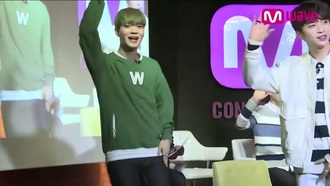 sweater green pockets kpop up10tion green sweater