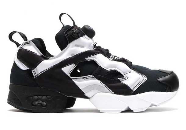 shoes sneakers Reebok reekbok instapump black and white