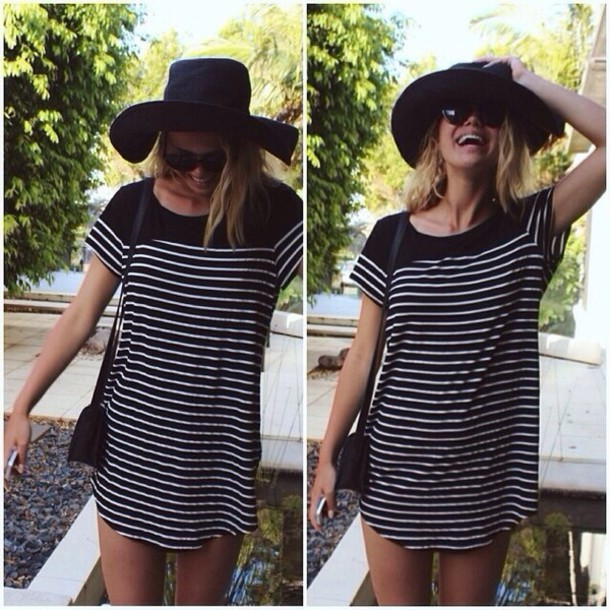 dress stripes striped dress black black and white black and white white flowy dress loose dress loose flowy hot sexy beautiful cute dress black and white dress dress stripes white black striped dress t-shirt dress t-shirt dress tumblr dress tumblr girl hat tumblr black dress little black dress white dress holidays summer pretty girly tshirt dress shirt t-shirt vintage black hat sunglasses purse shoulder bag colorful zipup windbreaker sailor black white stripy short. shift clothes surf shop black and white t-shirt  dress stripy stripes t-shirt dress t-shirt fashion oversized oversized