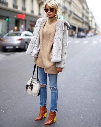 shoes tumblr boots brown boots denim jeans blue jeans skinny jeans ripped jeans jacket grey jacket sunglasses sweater knit knitwear knitted sweater bag