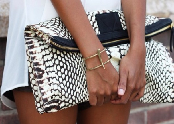 bag jewels snake print white black clutch purse clutch leather black and white gold zipper crocodile