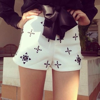 shorts cross leggings cross shorts style fashion white pants white skirt white lace shorts pretty popular plaid most popular dress summer shorts rings cute summer