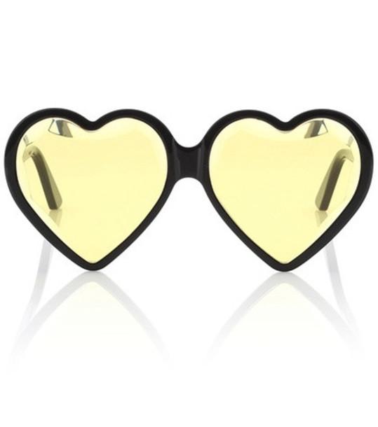 Gucci Heart-frame acetate sunglasses in black