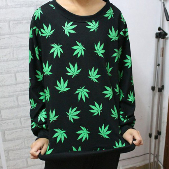 large medium leaf crewneck anywhere? online local