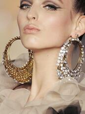 jewels,hoop earrings,gold