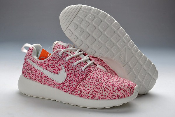 Nike Roshe Run Womens (Pink Force/Sail)
