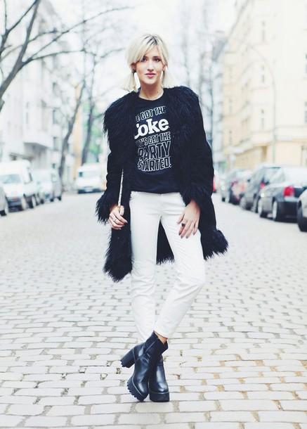 mikuta now blogger chunky boots black t-shirt black coat white jeans
