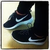 shoes,white,sportswear,nike shoes,black dress